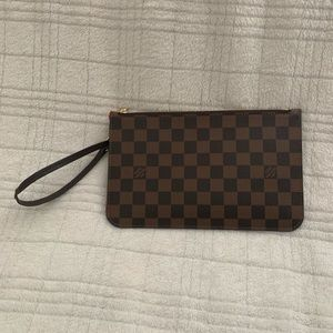Louis Vuitton Neverfull Pochette
